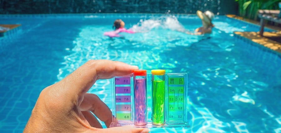 Clean Pool Water with Chlorine